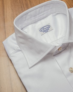 Wide-Collar ; White Twill
