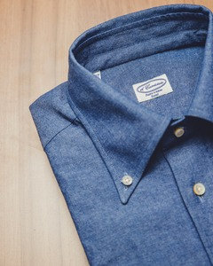 Button-down ; Chambray